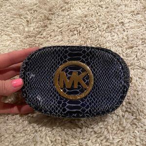Michael kors pouch wallet